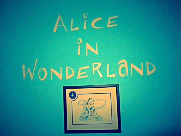 Sarah Kate's Alice in Wonderland bedroom